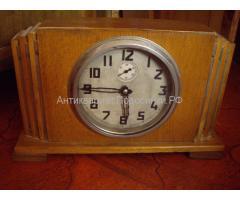 Часы старинные, каминные настольные с ключом